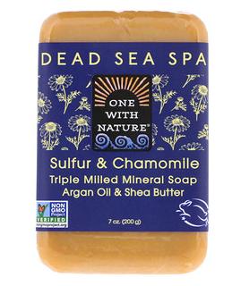 7。One with Nature, 精制矿物皂,含硫磺和洋甘菊,7 oz (200 g).png